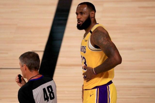 Krenula NBA sezona: Džejms vodio Lejkerse do pobjede