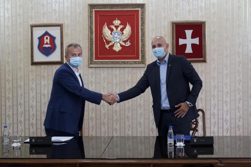 Kašćelan i Savićević zaključili sporazum: Pola miliona eura u sportsku infrastrukturu na Cetinju